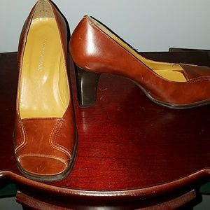 Banana Republic brown leather heels- Size 6